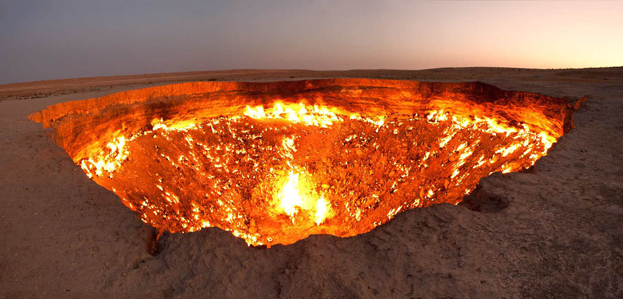 Le-cratère-de-Darvaza-la-porte-de-lEnfer-du-Turkménistan