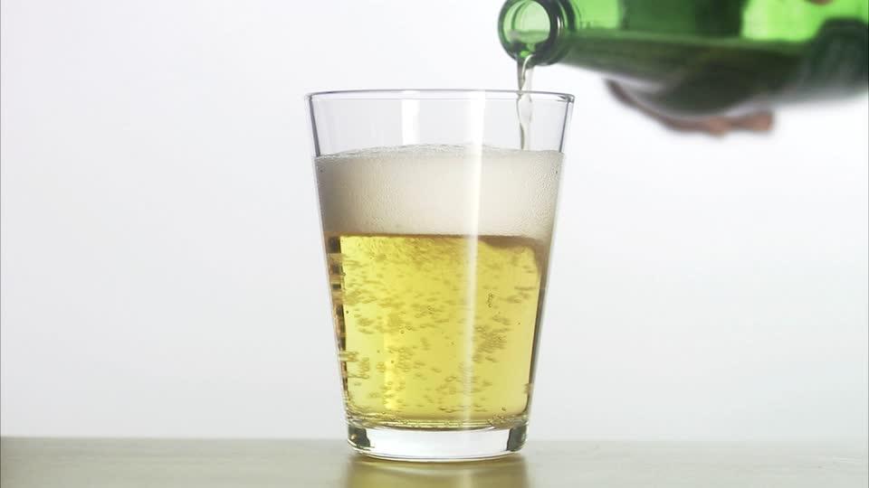 pourquoi il faut mouiller son verre de bi re avant de le remplir. Black Bedroom Furniture Sets. Home Design Ideas