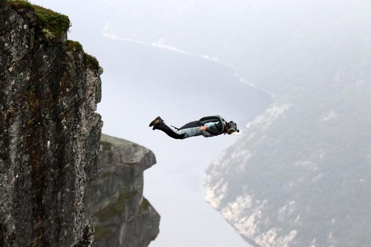 saut vide tomber à pic