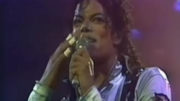 Michael Jackson pansement doigts