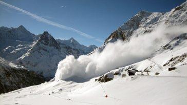 avalanche neige montagne