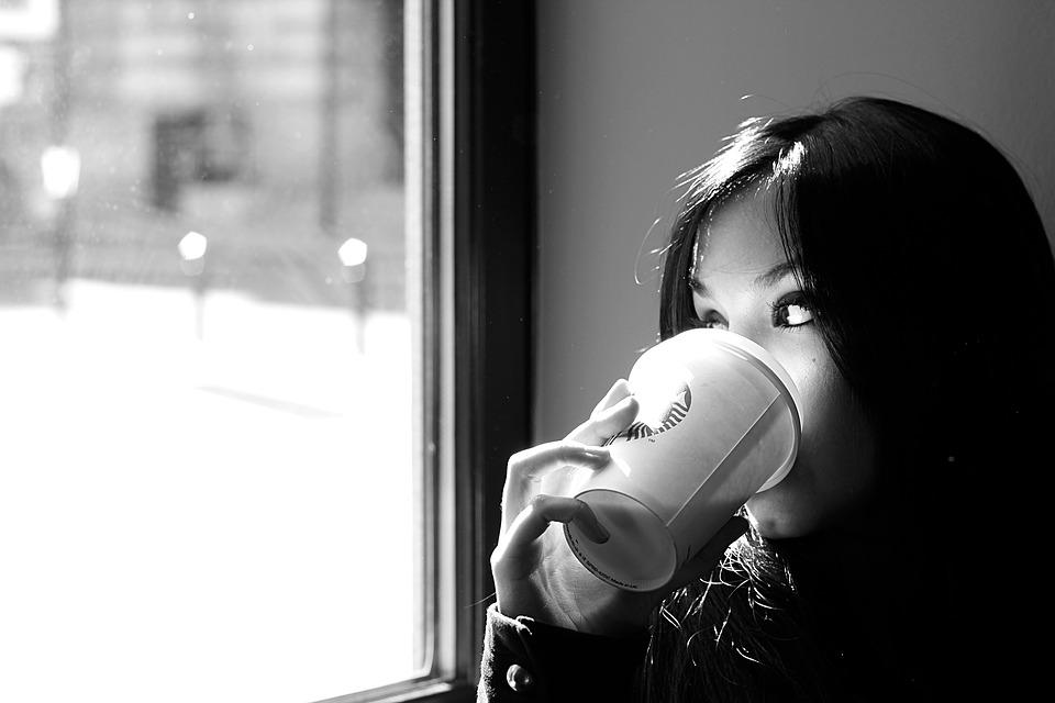 femme café