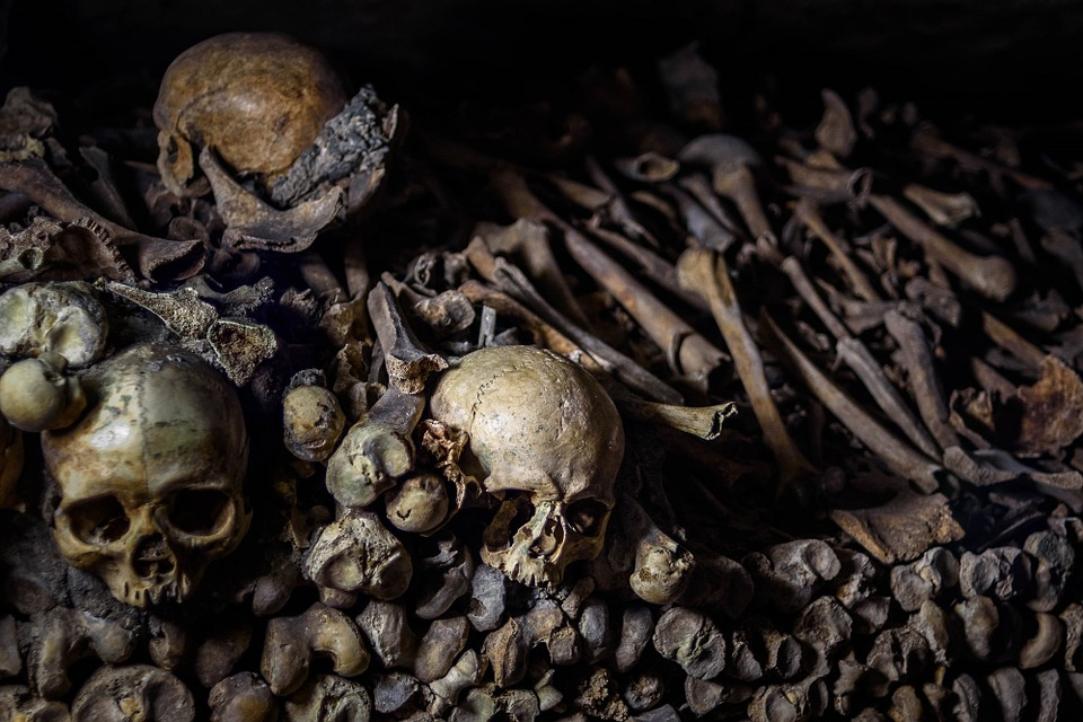 tas d os ossement catacombe ossuaire