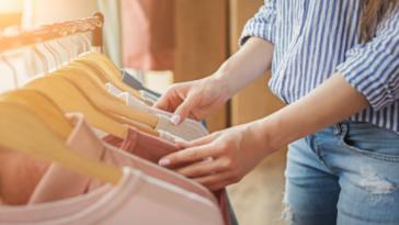 Une femme libre de choisir ses vêtements