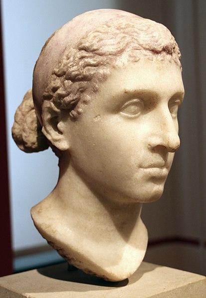 Cléopâtre statue