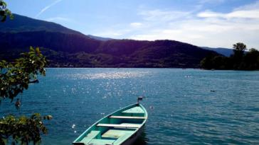 bateau lac d'annecy