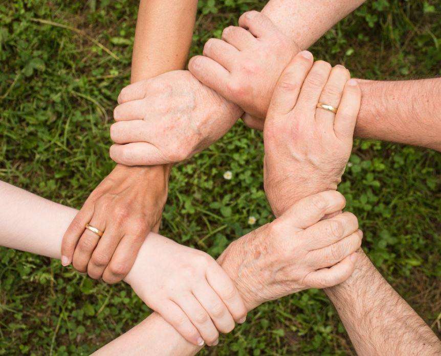 solidarité mains soudé
