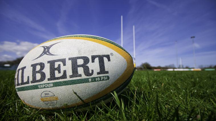 ballon terrain rugby