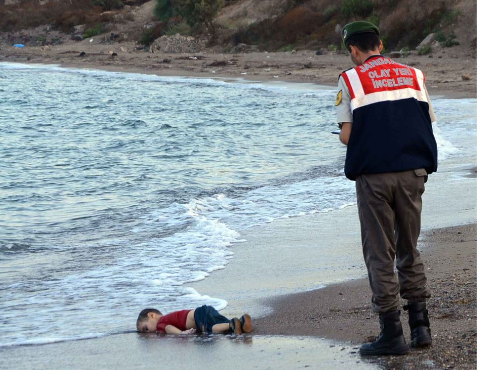 Alan Kurdi migrant photo