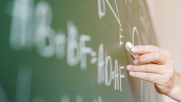 professeur soutien scolaire classe école